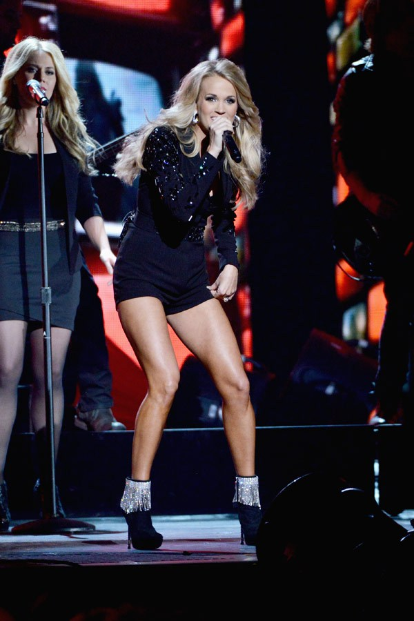 IN LOVE with Carrie's boots! OMG!!!