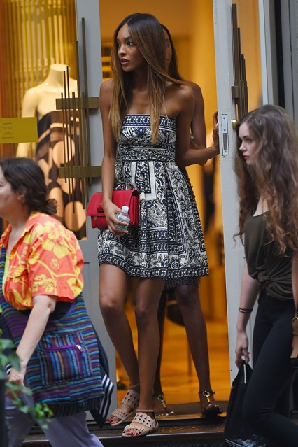 Jourdan Dunn--this is perfect for shopping around town and then transitioning to the pool